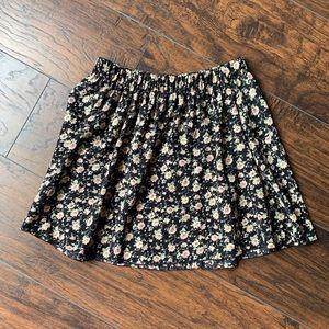 🎀 Black Floral Skirt 🎀